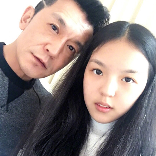 李咏女儿颜值逆袭,中美星二代PK你看好谁?